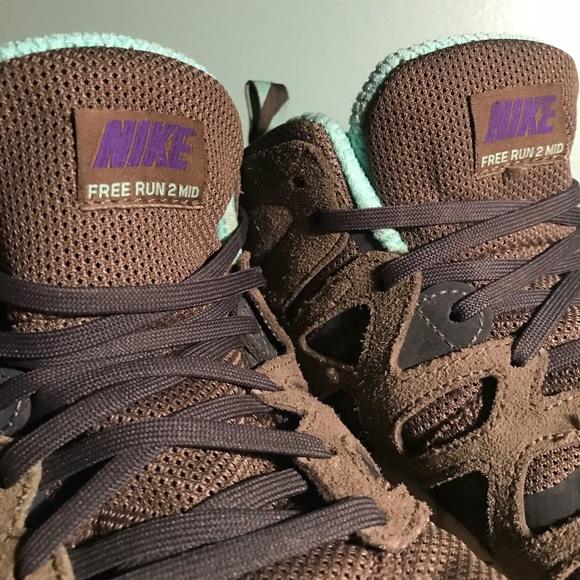 detailed look b1aa4 277e8 Nike Free Run 2 Mid Sneakerboot. M5a65455b3800c594992f873a